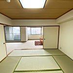 リビング隣接の和室(寝室)