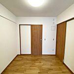 4.5帖の洋室(寝室)