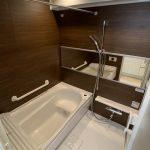 浴室乾燥機完備 落ち着きのある内装(風呂)